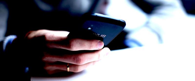 smartphone-1281632_1920